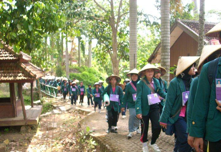 Propti maba pendidikan Biologi Unila 2009 di TAHURA Way Abdul Rachman