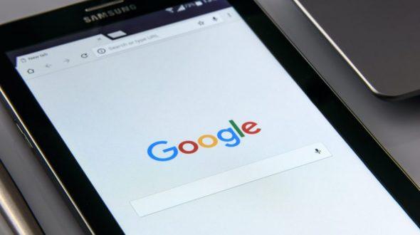 4 Faktor yang Menentukan Peringkat Website di Halaman Google Serp